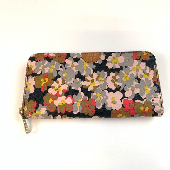 Fossil Handbags - Fossil Womens Wallet Zip Around Accordion Floral